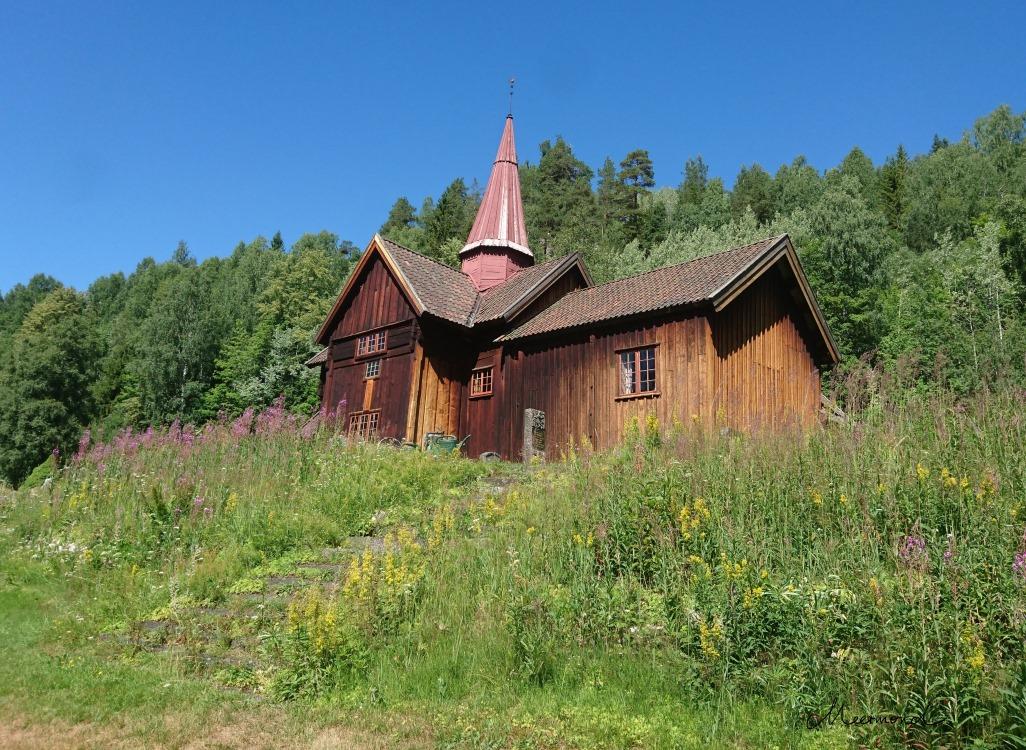 Rollag Stabkirche Sommer