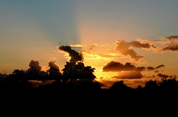 August Sonnenuntergang Dänemark.jpg